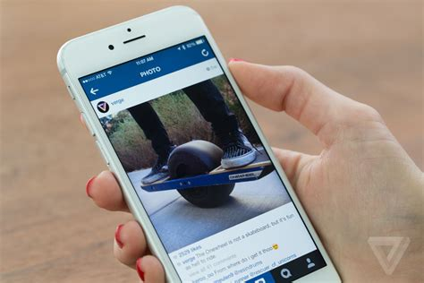 instagram layout tester instagram is testing a new black and white design the verge