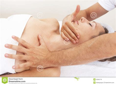 imagenes libres masajes osteopathy with cervical manipulation royalty free stock