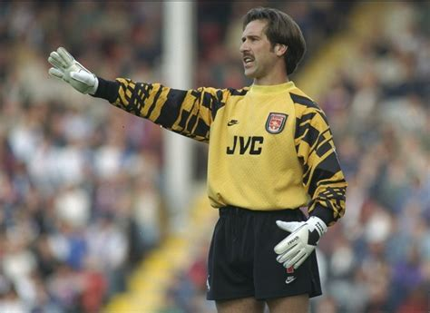 arsenal goalkeeper legendary arsenal goalkeeper to be inducted into the