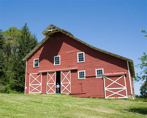 red barn file nice red barn jpg