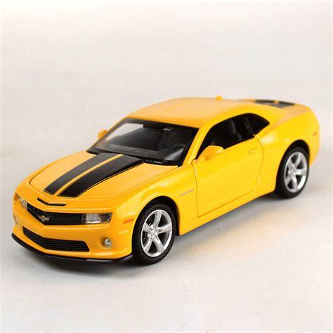 Miniatur Kue Cars By Bee 1 32 chevrolet camaro bumblebee diecast car model toys