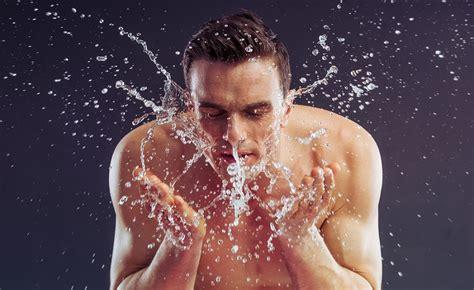 Sabun Cuci Muka Untuk Kulit Kering Wanita cuci muka pakai sabun mandi ternyata salah itu bisa bikin