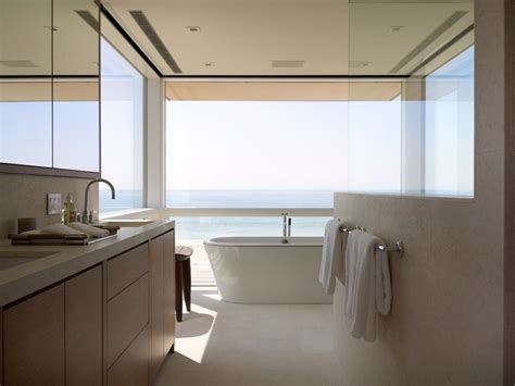 Diy Bathroom Art Award Winning Modern Beach House In The Hamptons The