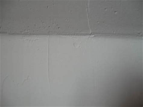 camouflage stress cracks in ceiling and corner joints with