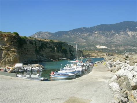 porto di cefalonia file kefalonia port of pessada jpg wikimedia commons