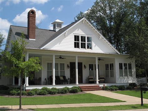 Farmhouse Style House Traditional Southern Style Farmhouse Exterior