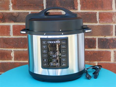 the complete crock pot express s gift guide 2017
