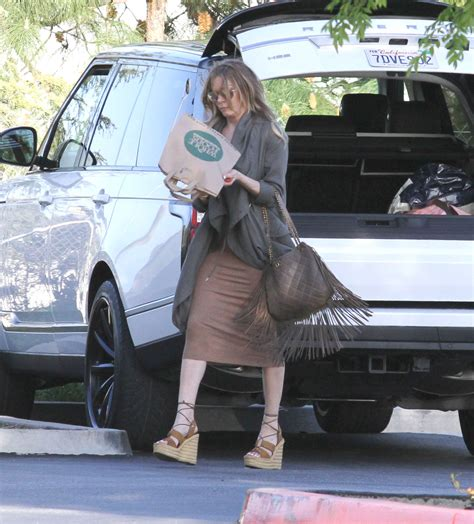 shopping in malibu leann rimes shopping in malibu 07 gotceleb