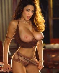 Miriam Gonzalez Curves