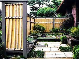 Backyard Bamboo Fencing Bamboo Fencing Landscaping Gardening Ideas