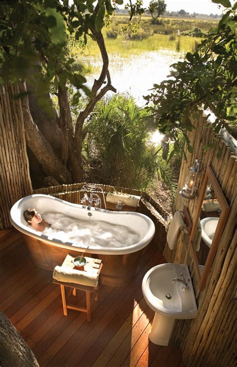 Outdoor Bathtub by 10 Eye Catching Tropical Bathroom D 233 Cor Ideas That Will
