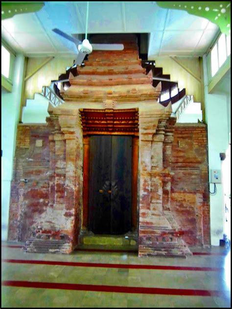 Ace Maxs Banjarmasin masjid menara kudus salah satu tujuan wisata religi wali