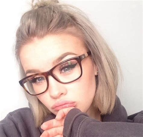 hairstyles with glasses tumblr adorable beauty blue eyes cosmetics fashion girly