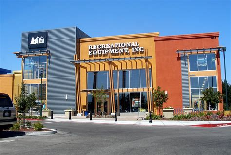 outdoor retail co op rei to open store in christianadelaware business daily digital business journal