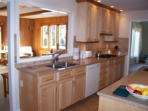 quartz countertops with maple cabinets 17 best images about white appliance maple cabinets