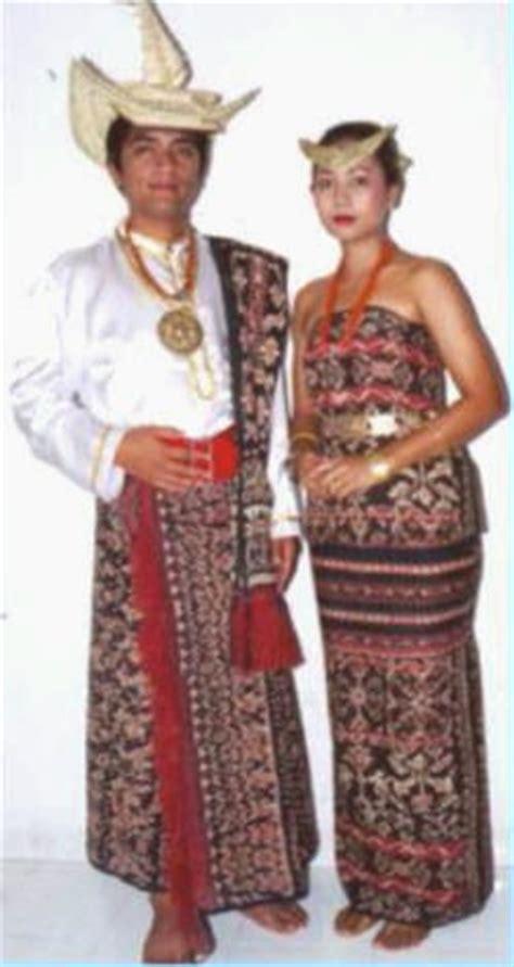 Kain Tenun Asli Ntt Dari Pulau Sabu about fashion pakaian adat nusantara
