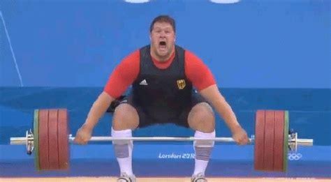 Barbel Seberat 5 Kg atlet angkat besi kejatuhan barbel seberat 196 kg