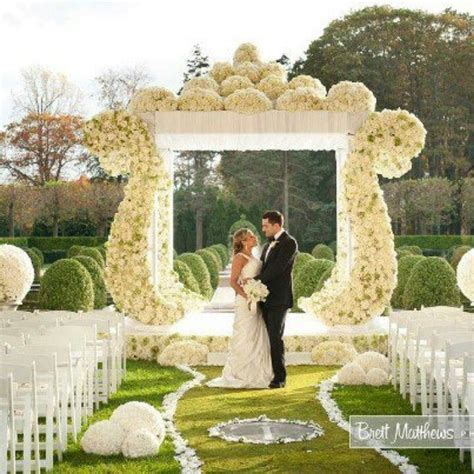 Wedding decoration! Beautiful!   OUTDOOR WEDDING CEREMONY