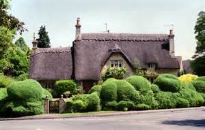 living travel thatched cottages parks and gardens