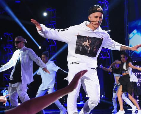 justin bieber konsert sverige 2015 pretty sure this is justin s quot i believe i can fly quot move