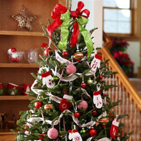 traditionelle weihnachtsbaum dekorieren ideen den weihnachtsbaum schm 252 cken sind sie bereit f 252 r die