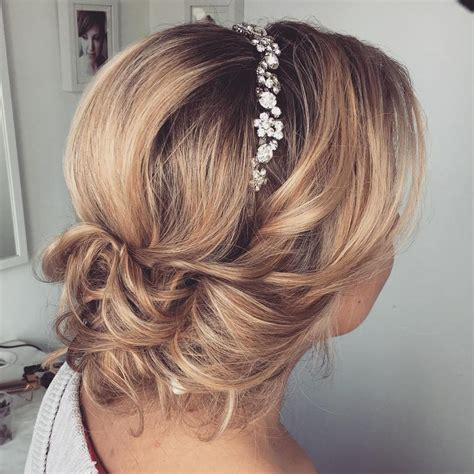 Hair Styles For Hair In A Wedding by Top 20 Wedding Hairstyles For Medium Hair