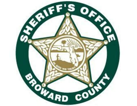Broward Sheriff Warrant Search Pit Bull Killed By Deputy Serving Search Warrant Drugs Guns Found At