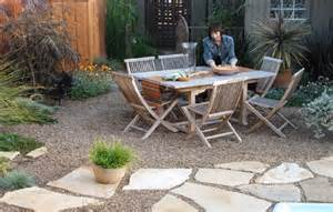 Paver And Gravel Patio Gravel And Flagstone Paver Mediterranean Patio Designs Paver Patios Diy Paver Patio Home Design