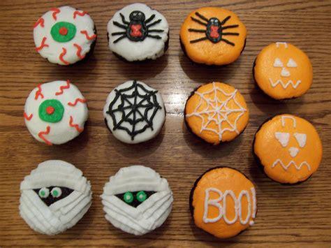 halloween cupcakes halloween cupcakes happycakesbysarah s blog