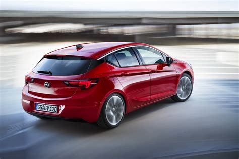 All Opel Astra Wins Car Of The Year 2016 Award
