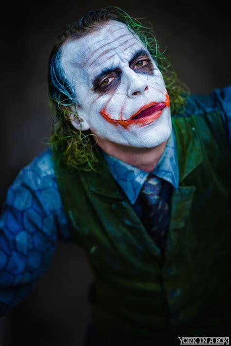 imagenes the joker heath ledger this heath ledger joker cosplay is insanely unsettling