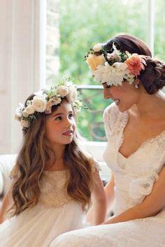 hutte bouquet d or de jolies couronnes de fleurs justine huette cr 233 atrice