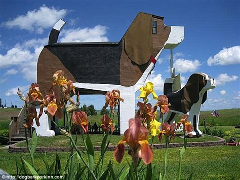 beagle bed and breakfast in the doghouse at idaho s dog bark park inn a bed