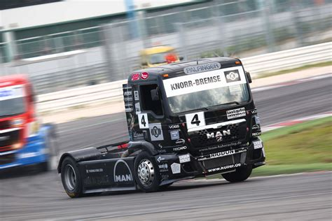 trucks races boostaddict flat out awesome race race semi