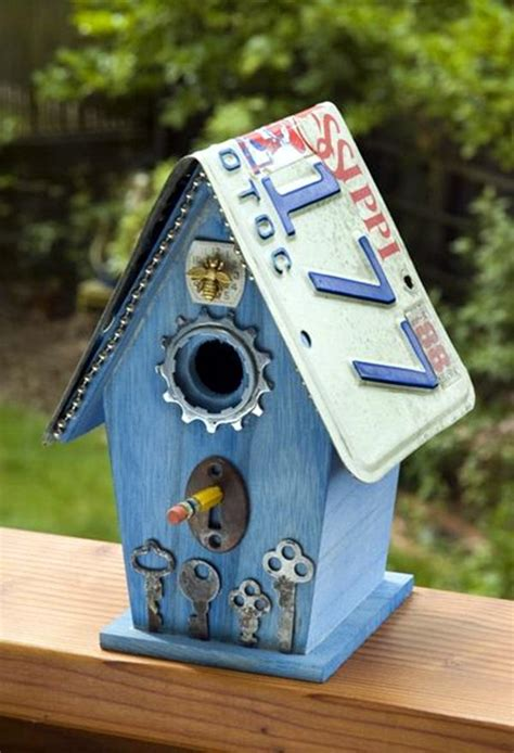 Birdhouse Decorating Ideas by 40 Awesome Backyard Birdhouse Designs