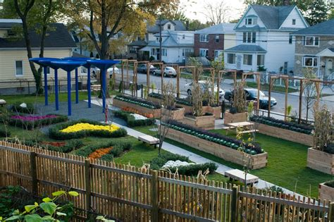 Nyc Gardens by 50 Cent S Community Garden Becomes A Green For