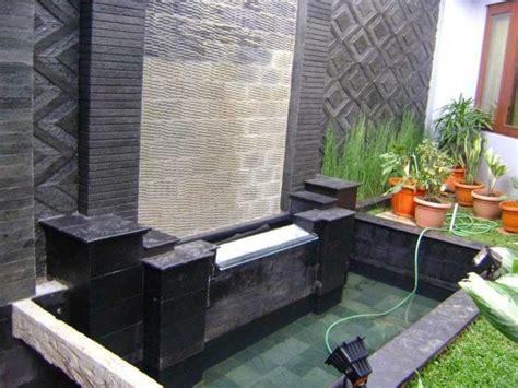 gambar desain kolam ikan minimalis  depan rumah