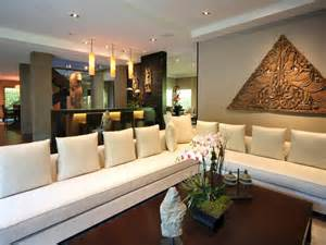 million dollar living rooms a grand tour multimillion dollar spaces from hgtv s million dollar rooms million dollar rooms