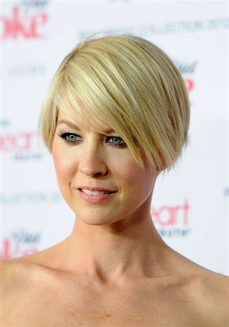 jenna elfman hair styles back view more pics of jenna elfman layered razor cut 6 of 11