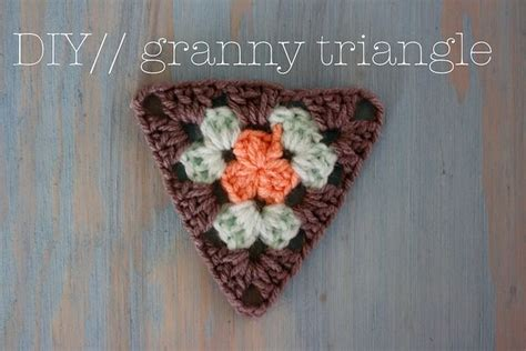 pattern for granny triangle crochet granny triangle pattern crochet pinterest