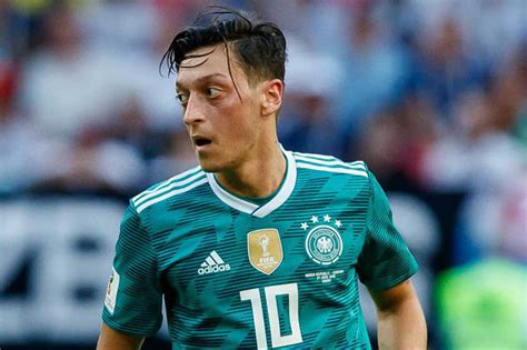 arsenal news mesut ozil announcement imminent daily star