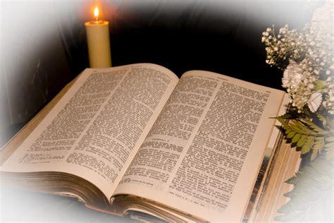una biblia the vive septiembre mes de la biblia