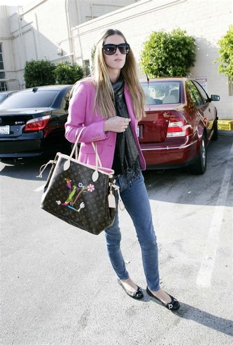 Nicky Hiltons Louis Vuitton Bag by 48 Best Images About Neverfull Lv On Toywatch