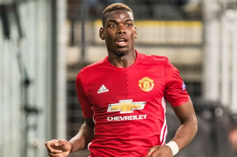 gary neville brands pogba s man united v chelsea paul pogba wrong about n golo kante