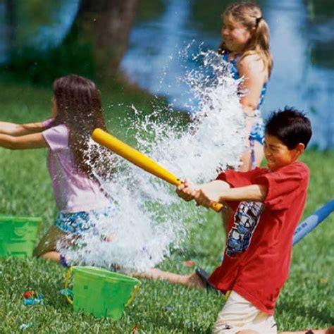 backyard water games top 34 fun diy backyard games and activities amazing diy