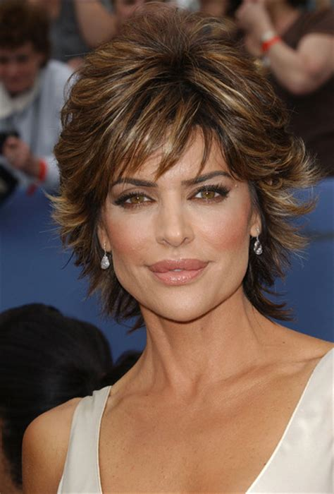 lisa rinna current hairstyle lisa rinna in 33rd annual daytime emmy awards zimbio