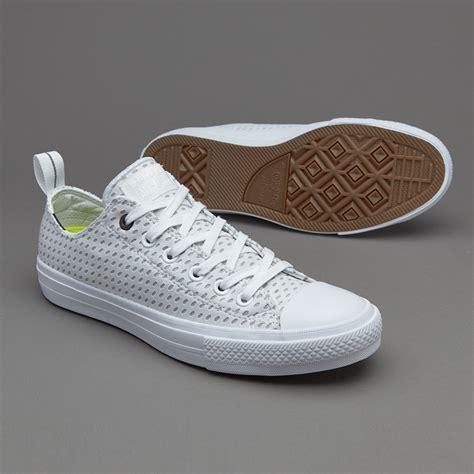Sepatu Converse Chuck All 2 sepatu sneakers converse original chuck all ii