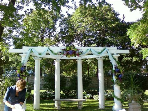 How To Decorate A Pergola For A Wedding by Wedding Pergola Decorated For Ceremony Wedding