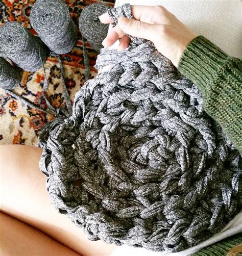 what type of yarn to use for arm knitting how to crochet a circular rug simplymaggie