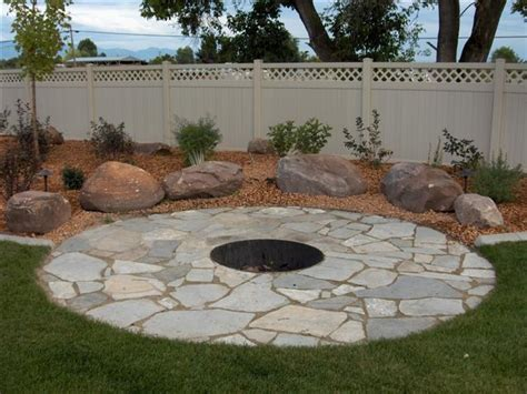 Flagstone patio designs, flagstone patio with fire pit